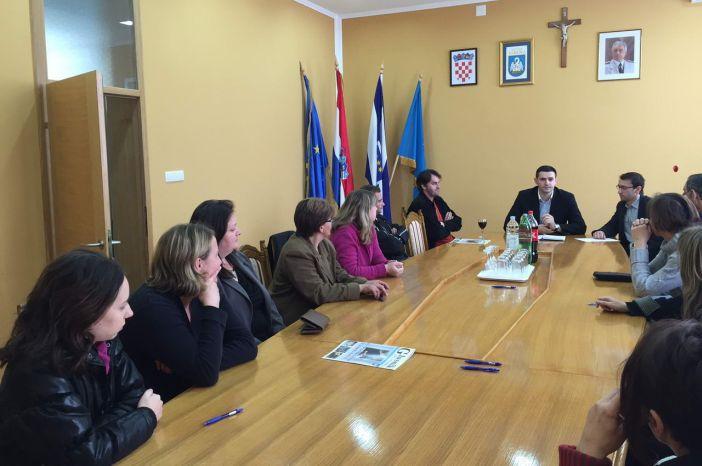 Općina Sibinj potpisala ugovor o radu sa 14 nezaposlenih osoba