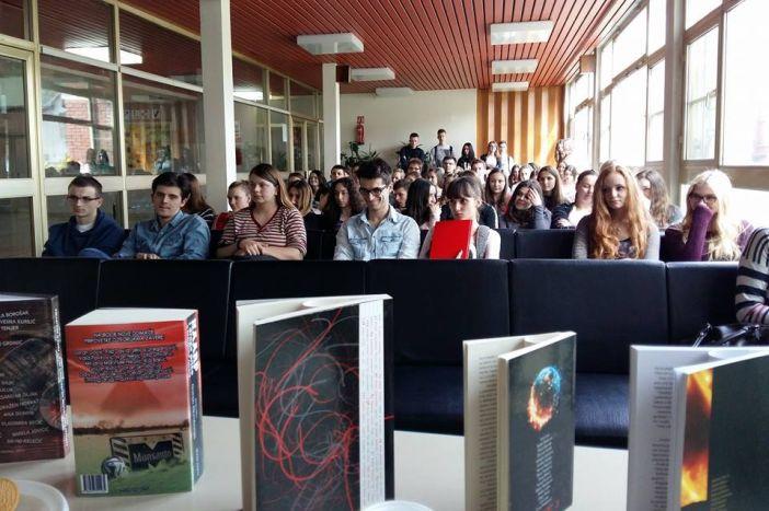 Brodski književnik Ivan Lutz posjetio učenike Klasične i Gimnazije 'Matija Mesić'