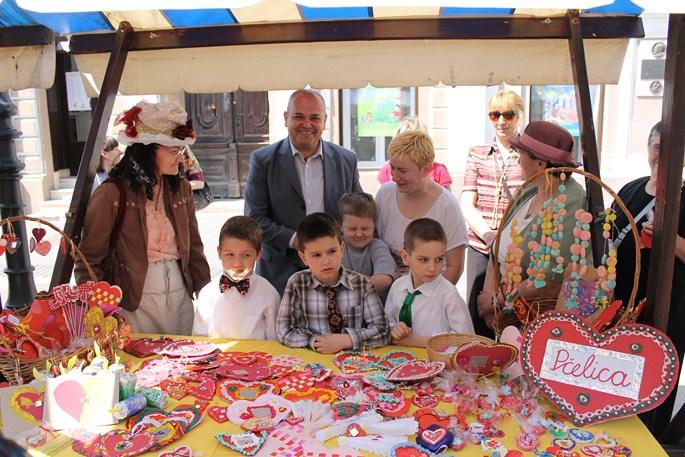 Prodajna izložba rukotvorina izrađenih u radionicama dječjih vrtića