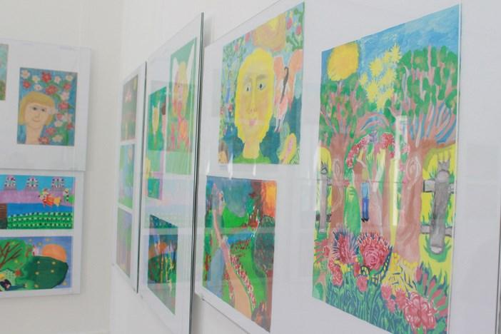 Otvorenje izložbe učeničkih radova ovogodišnje Likovne stvaraonice 'Domaći'