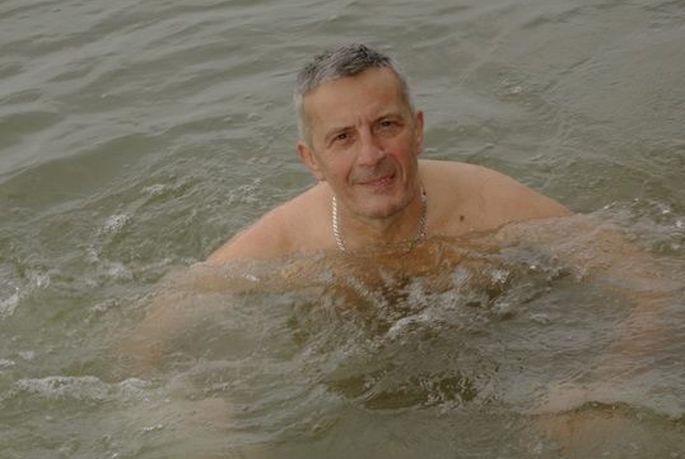 Brodski čovjek-tuljan u Novu uplovio kupanjem u Savi