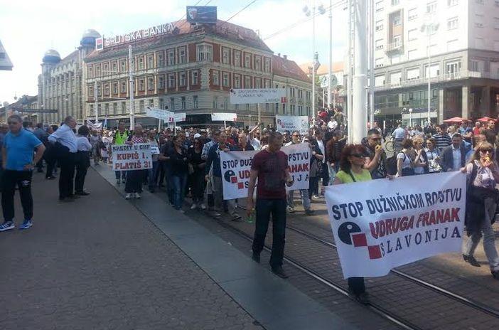 Prosvjed Udruge Franak okupio oko 5000 ljudi
