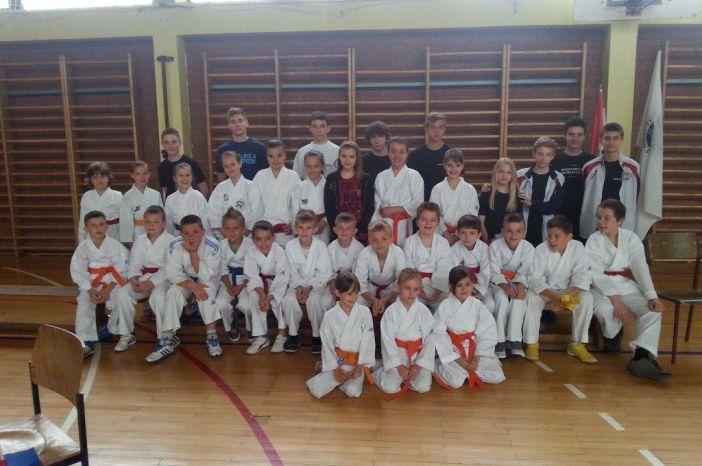 Brođani najuspješniji klub na Karate Turniru mladeži