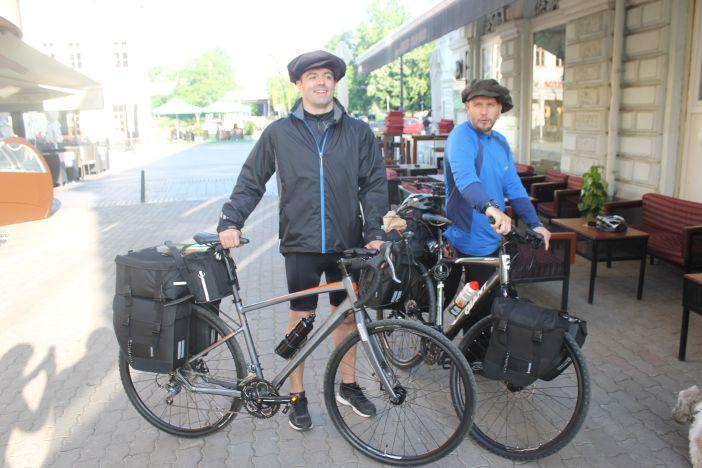 Hlapić i Lima krenuli na put dugačak 1400 kilometara