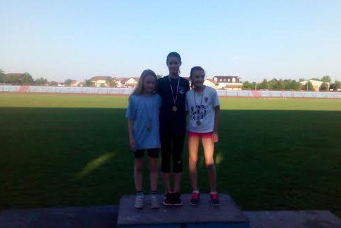 Brodski atletičari osvojili su 3 zlatne i 2 srebrne medalje
