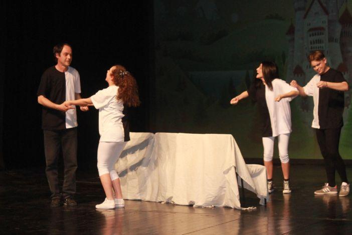 Hamlet u pikantnom umaku, SKM SB