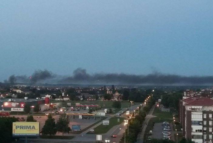 Brođane uznemirio gusti crni dim koji se dizao iznad istočnog dijela grada