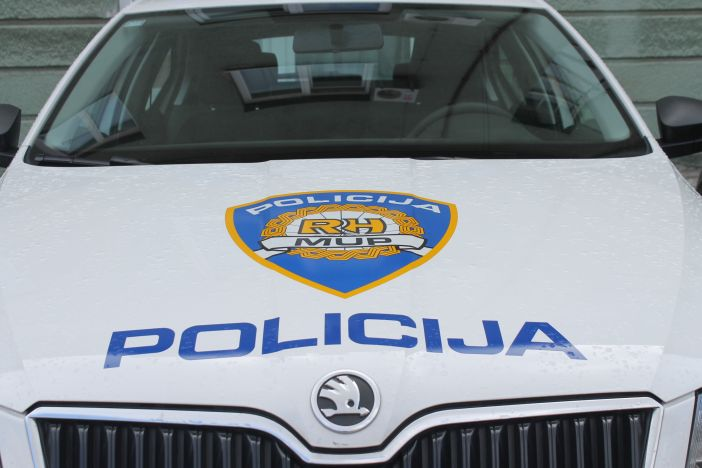 U Slavonskom Brodu ukraden automobil, pronašli ga u Našicama
