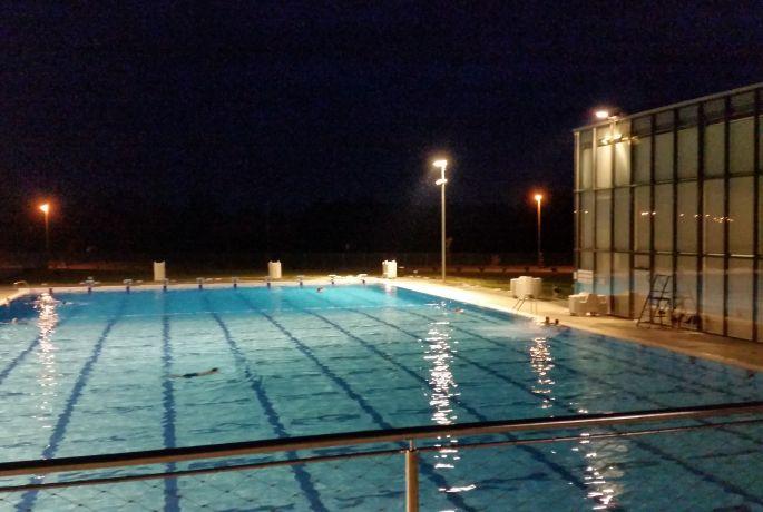 Noćno kupanje na gradskim bazenima