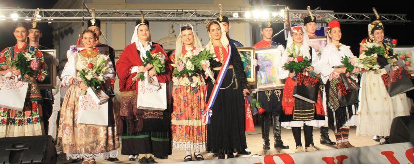 Revija hrvatskih narodnih nošnji i izbor najljepše Hrvatice u narodnoj nošnji