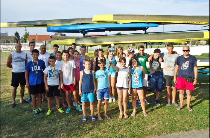 Mladi sportaši KKK Marsonia osvojili 40 medalja na međunarodnoj regati u Bosanskom Brodu