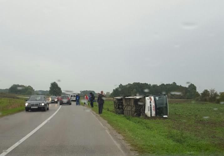 Prometnu nesreću skrivio vozač autobusa, nitko od 15-ak putnika nije ozlijeđen