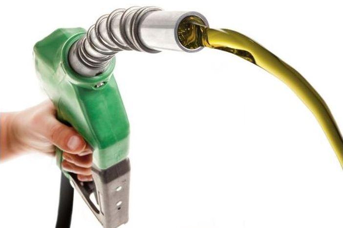 Od sutra veliko sniženje cijena benzina i dizela