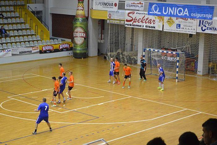 REZULTATI Započeo 21. Božićni malonogometni turnir u Slavonskom Brodu