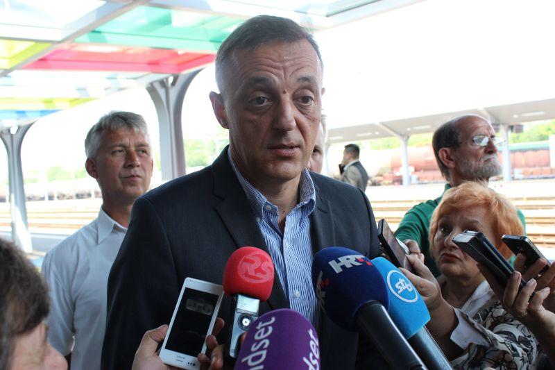 Jakovina nahvalio SDP-ovu vladu na božićnom druženju s predstavnicima medija