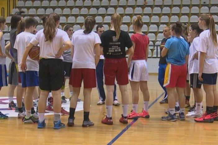 Hrvatska kadetska ženska košarkaška reprezentacija na pripremama u Slavonskom Brodu