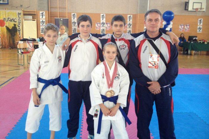 Ećimovići uspješni na  7.KUP-u Mladosti