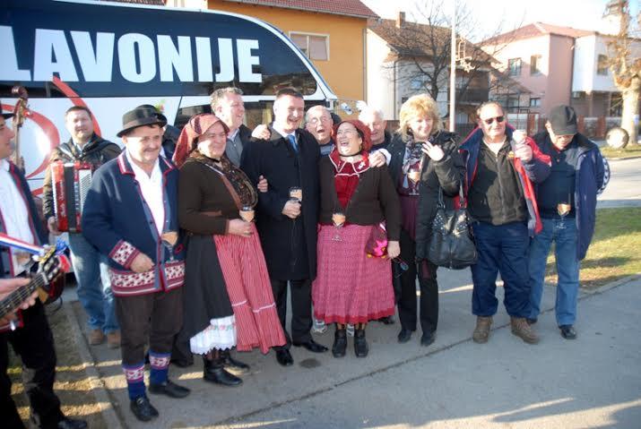 14. Vinobus Radio Slavonije spreman za putovanje!