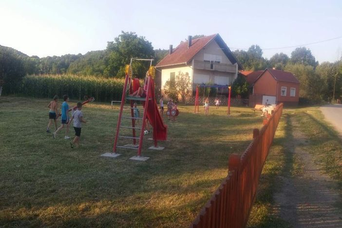 Općina Sibinj - postavljena nova dječja igrališta