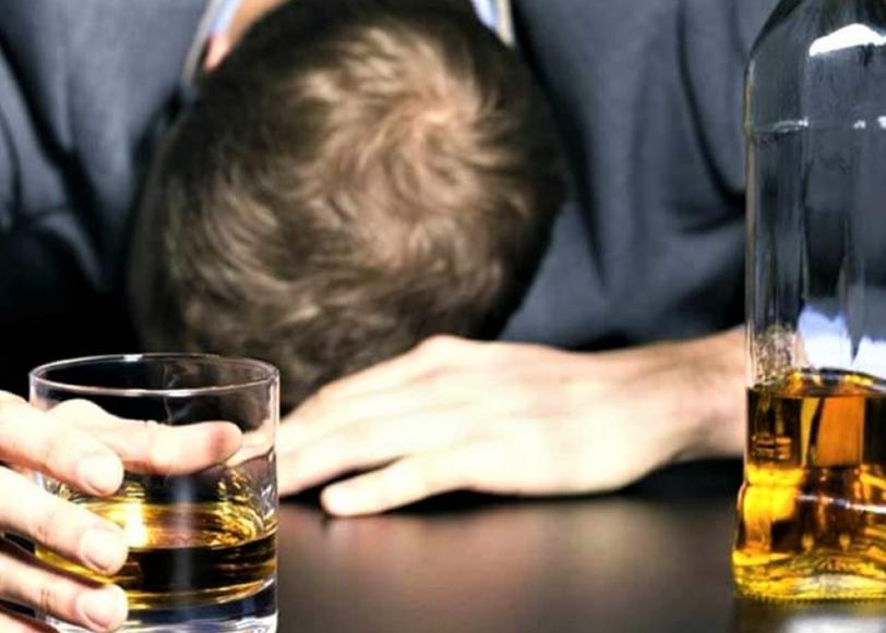 Mrtav pijan vikao, galamio jer mu nisu htjeli uslužiti alkohol - dobio 60 dana zatvora
