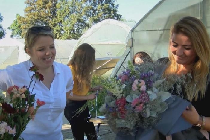 Učenički cvjetni aranžmani ovoga su ljeta u Slavonskom Brodu apsolutni hit