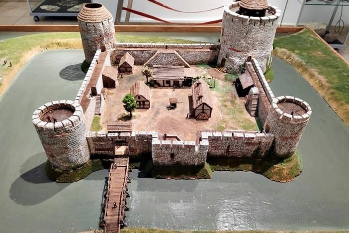 U Muzeju Brodskog Posavlja predstavljena je maketa srednjovjekovne utvrde Brod