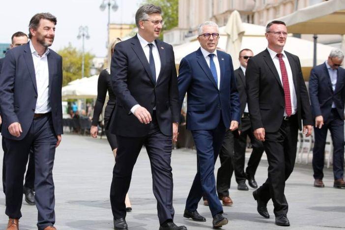 Andrej Plenković podržao HDZ-ove kandidate u Brodsko-posavskoj županiji
