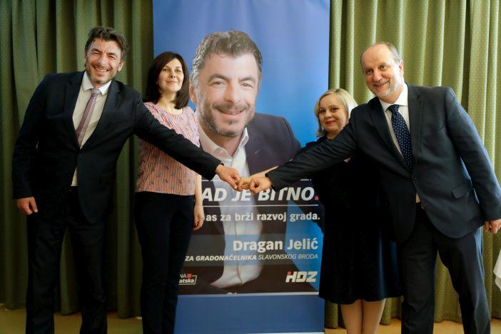 Dragan Jelić: Šest brzina za pokretanje tromog Slavonskog Broda