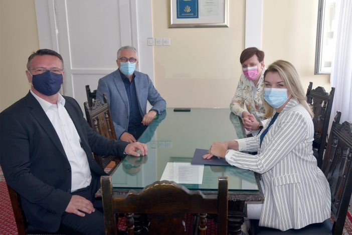 Ministrica turizma i sporta Nikolina Brnjac održala radni sastanak sa županom Danijelom Marušićem