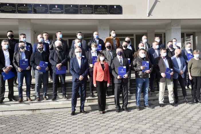 Uručeno 30 ugovora vrijednosti preko 8 milijuna kuna jedinicama lokalne samouprave