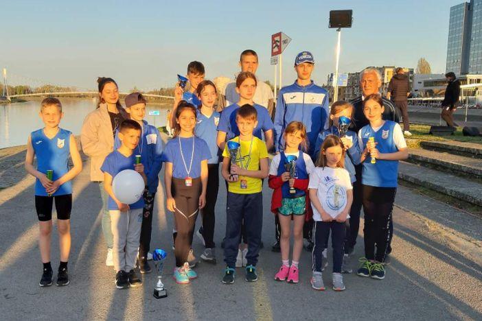 """Mladi atletičari """"Marsonije"""" odlični na Ferivi polumaratonu u Osijeku"""