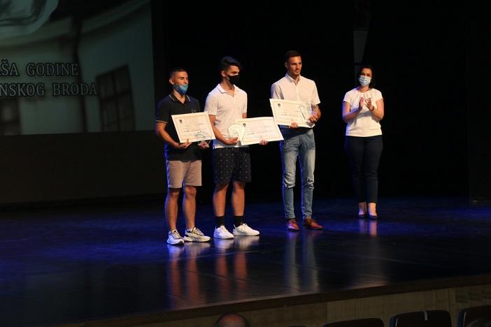 Vanesa Tot i Gabrijel Veočić najbolji sportaši Slavonskog Broda