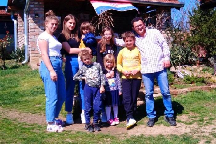Martini i Mariju Jurilj iz Grabarja rodilo se osmo dijete!