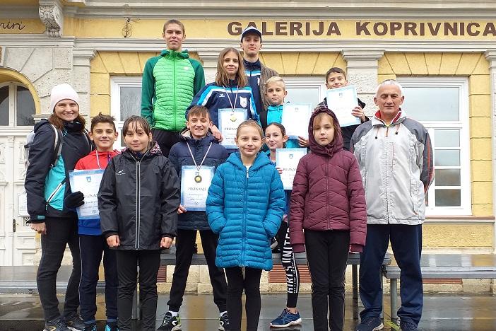 """Pet medalja za atletičare Ak """"Marsonia"""" osvojenih u Koprivnici"""