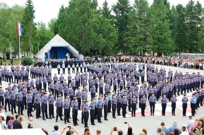 Poziv na testiranje kandidatima s područja PU brodsko - posavske za upis u program za zanimanje policajac/policajka