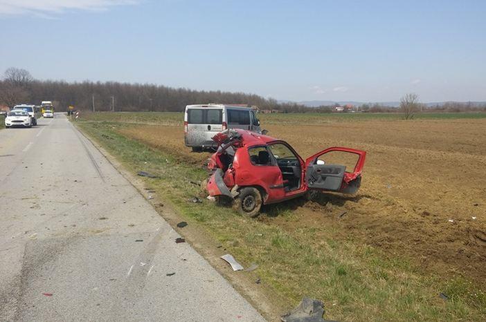 Alkoholizirani vozač kombija skrivio prometnu nesreću sa smrtnim ishodom