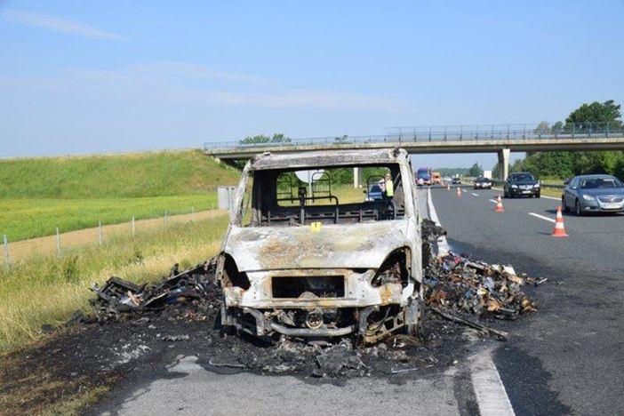 Zapalilo se teretno vozilo na autocesti A3