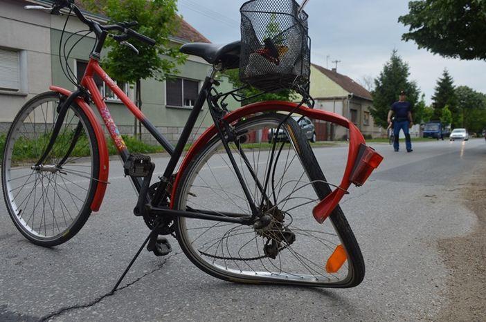 Teško ozlijeđena 75- godišnja biciklistkinja