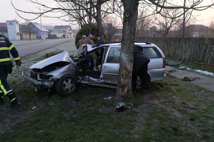U prometnoj nesreći u Donjim Andrijevcima jedna osoba teško ozlijeđena