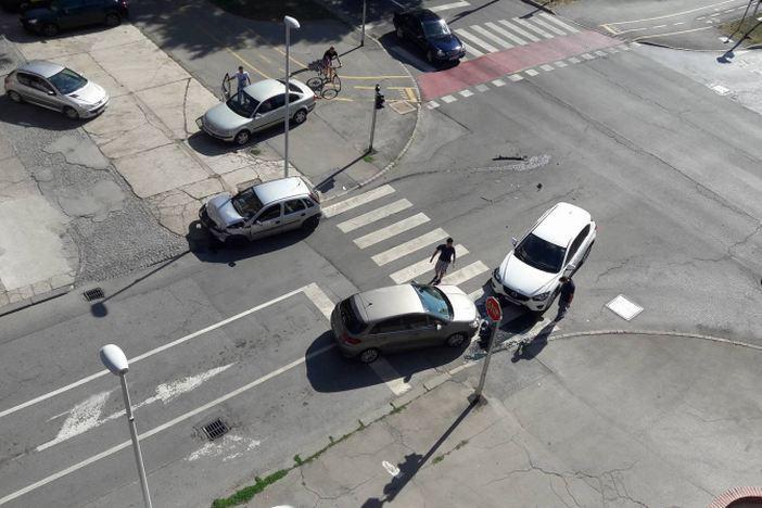 Još jedna prometna nesreća na križanju Vukovarske, Pilareve i Borovske ulice