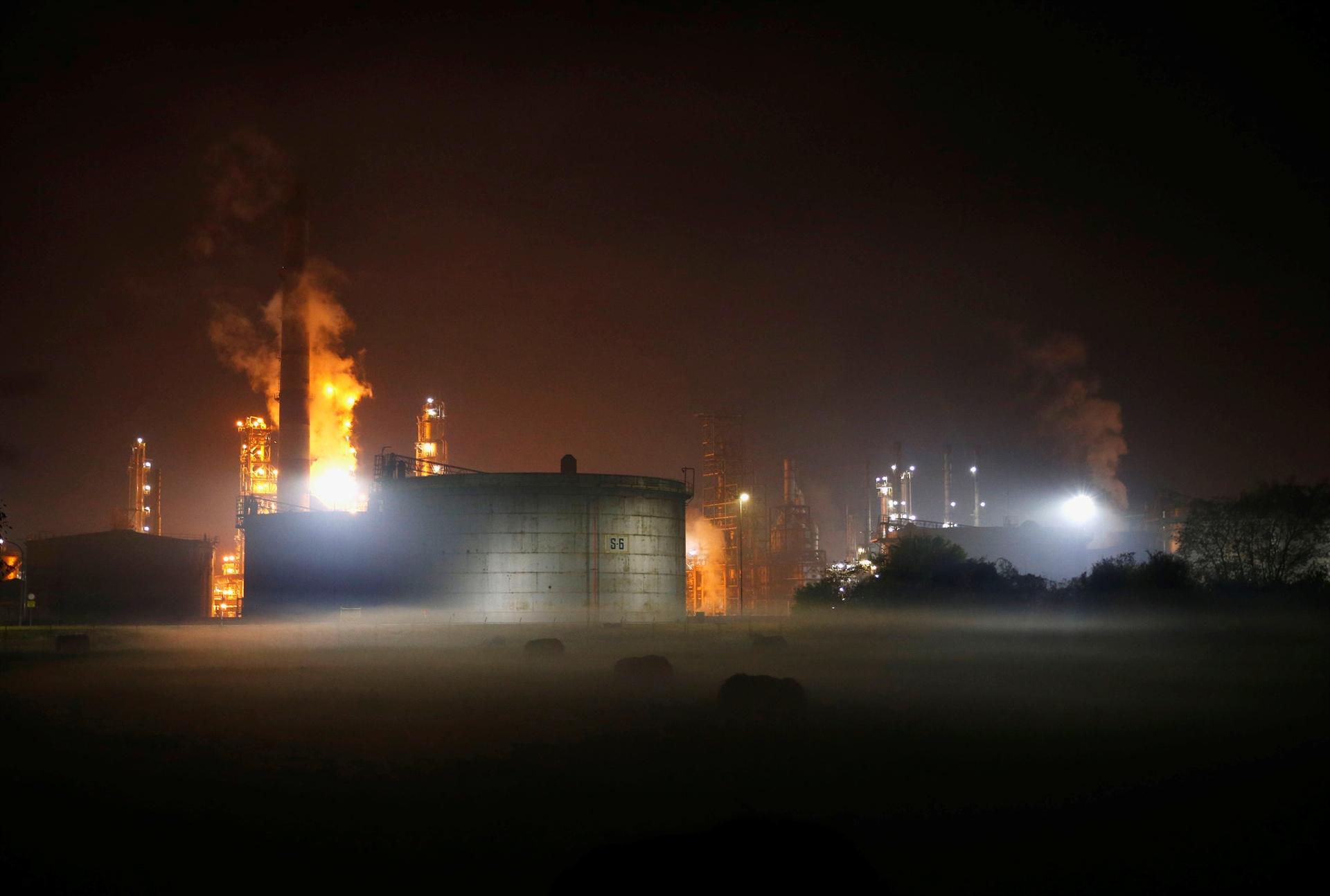 Unatoč eksploziji, radnici rafinerije još sinoć nastavili s radom