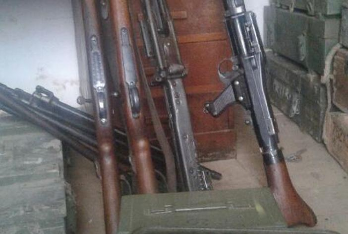 Gospođa predala pravi mali arsenal oružja
