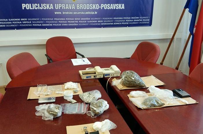 Policija uhvatila nekoliko dilera