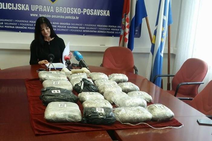 Na graničnom prijelazu u Slavonskom Brodu zapljenjeno 41,6 kilograma marihuane