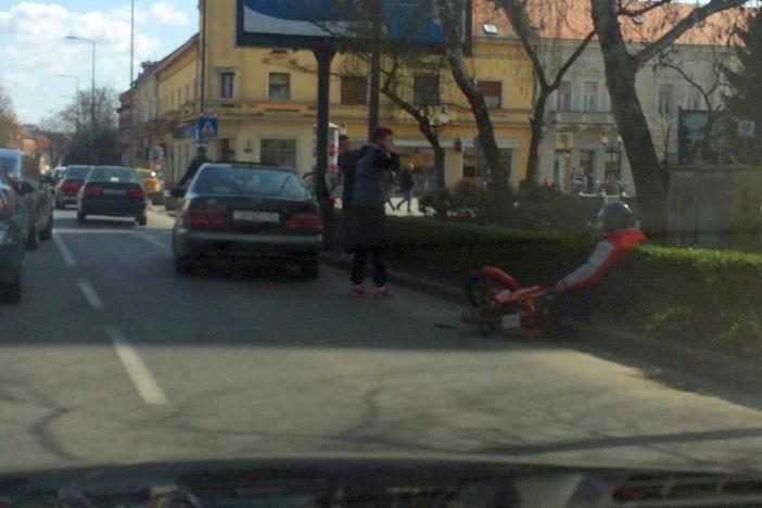 Automobilom udario u motocikl, motociklist prošao s lakšim ozljedama