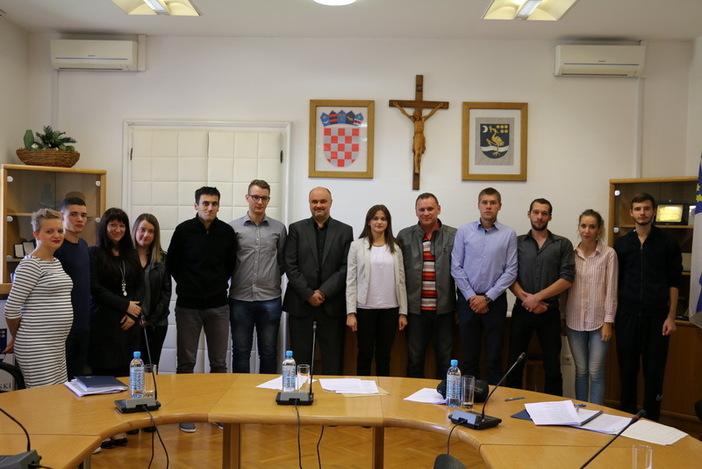 Održana konstituirajuća sjednica Savjeta mladih Grada Slavonskog Broda