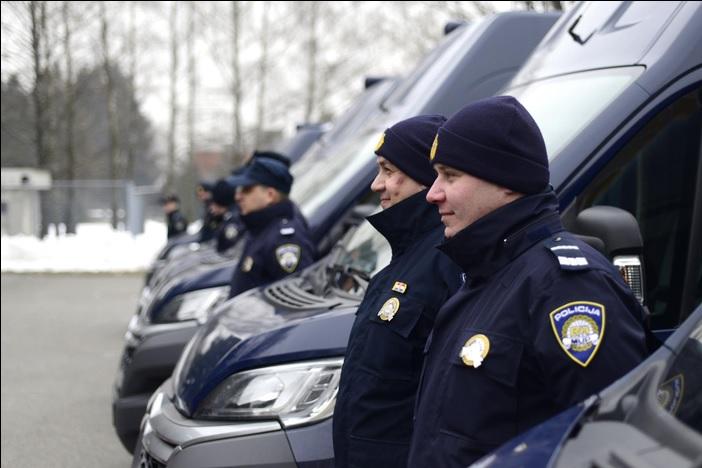 """Isporučena 23 """"Schengen busa"""" za graničnu policiju"""