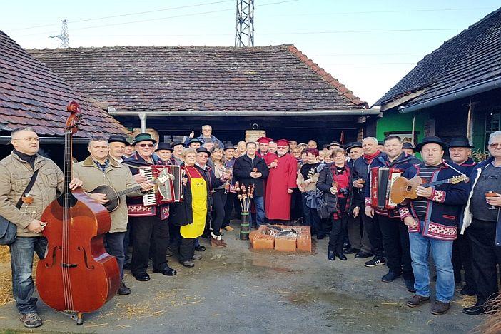 12. Vinobus Radio Slavonije prokrstario slavonskim vinskim stazama