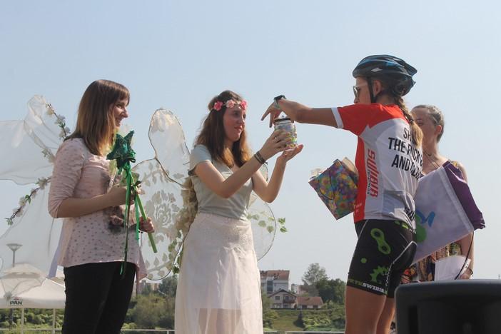 Maja Bonačić donijela staklenku čistog zraka koju su korčulanska djeca poslala djeci u našem gradu