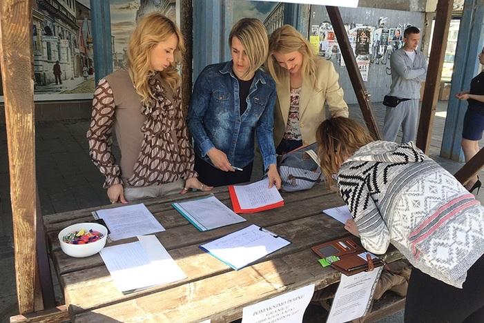 Na gradskom korzu organizirana peticija protiv dobnog ograničenja stručnog osposobljavanja